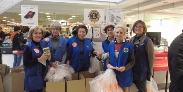 Les bénévoles du Lions Club vous accueillent à la Banque alimentaire